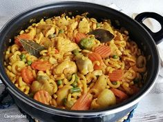Paella, Vegan, Ethnic Recipes, Food, Gastronomia, One Pot Dinners, Crack Cake, Cooking Recipes, Kitchens