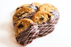 Southern New England Weddings-Chocolate dipped toll house cookies