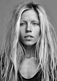 Margaux Lonnberg – 26 ans – Videomaker, styliste et modèle – Paris - TALENT AGENCY - http://www.talentagency.fr/portfolio/margaux-lonnberg/