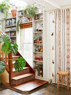 ideas for my room Poppy Lane, Scott Gibson & Family — The Design Files Bohemian Interior Design, Home Interior Design, Bohemian Decor, Bohemian Style, Interior Decorating, Bohemian House, Studio Interior, Cafe Interior, Interior Paint