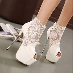 Foto de unos zapatos HERMOSOS