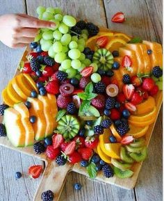Super Ideas For Fruit Party Platters Kids Snacks Für Party, Appetizers For Party, Appetizer Recipes, Fruit Appetizers, Party Desserts, Birthday Appetizers, Wedding Snacks, Birthday Desserts, Appetizers Table