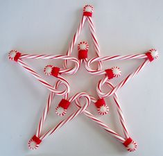 28 Amazing Candy Cane Crafts To Make Your Christmas Special > Candy canes are to Christmas as pumpkins are to Halloween, so creating some amazing crafts with them is simply a must for this holiday season. Christmas Crafts For Kids, Homemade Christmas, Diy Christmas Gifts, Holiday Crafts, Christmas Holidays, Christmas Wreaths, Christmas Ornaments, Christmas Ideas, Candy Cane Christmas