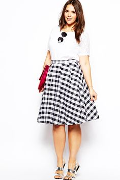 The Spring Silhouette Every Curvy Girl Should Know  #refinery29  http://www.refinery29.com/circle-skirts#slide2