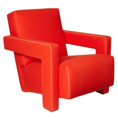 637 Utrecht Armchair Red