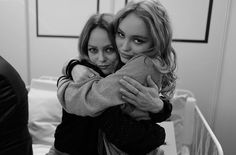 Lily Rose Depp  L & V