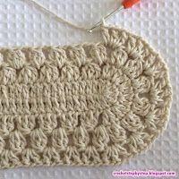 Quero a receita do tapete de barbante oval o passo a passo de hoje vamos aprender como confeccionar este lindo tapete oval modelo Russo. Crochet Rug Patterns, Crochet Motifs, Crochet Granny, Filet Crochet, Crochet Doilies, Crochet Stitches, Knit Crochet, Doily Rug, Diy Crafts Crochet