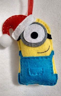 Christmas DIY: Felt ornaments - Mee Felt ornaments - Meet my handmade felt Minion (Christmas edition) #christmasdiy #christmas #diy