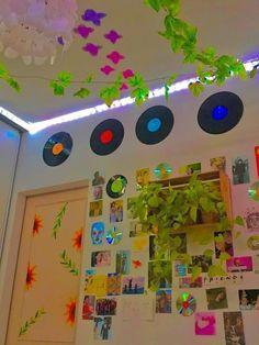Indie Room Decor, Cute Bedroom Decor, Room Design Bedroom, Room Ideas Bedroom, Bedroom Inspo, Retro Room, Vintage Room, Chambre Indie, Aesthetic Room Decor
