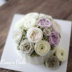 오랜만에 버터크림으로 뽀송뽀송 맛나는 플라워케이크 : :  수업문의 www.lunancake.com :  kko : lunasflower  #루나앤케이크#앙금플라워#앙금플라워떡케이크#앙금플라워수업#앙금플라워원데이#대전앙금플라워#대전플라워케이크#버터크림플라워케이크#버터크림#플라워케이크#dessert#디저트#일상#ricecake#buttercream#daily#flowercake#koreancake#flower#bakingclass#baking#buttercreamflowercake#꽃스타그램#맛스타그램#선팔#맞팔#소통#birthdaycake