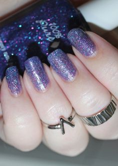Arts And Crafts Style Furniture Key: 9545432727 Midsummer Nights Dream, Beauty Review, Nail Art Galleries, Holiday Nails, Cool Nail Art, Nails Magazine, Nail Colors, Swatch, Beauty Makeup