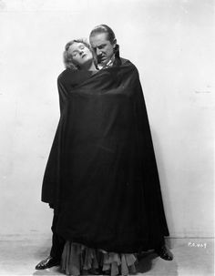 Dracula (Bela Lugosi) and Mina (Helen Chandler) in a publicity shot for 'Dracula' (1931)