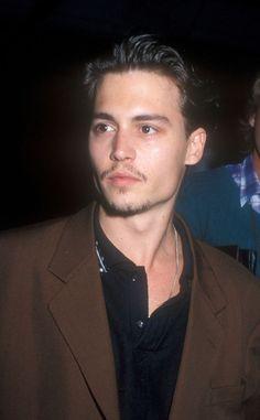 Young Johnny Depp, Johnny Depp Movies, Pretty Men, Beautiful Men, Beautiful People, Johnny Depp Tattoos, Johnny Depp Wallpaper, Jonny Deep, 21 Jump Street