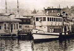 eyüp iskelesi Istanbul, History Of Photography, Historical Pictures, Once Upon A Time, Sailing Ships, Nostalgia, Boat, Black And White, City