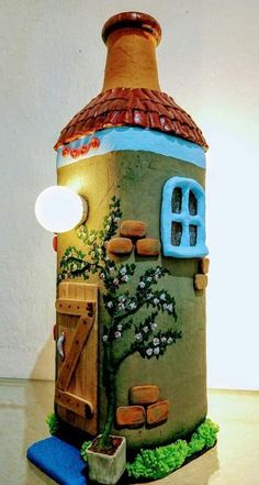 Discover thousands of images about Joseslaine Glass Bottle Crafts, Wine Bottle Art, Painted Wine Bottles, Diy Bottle, Bottle House, Clay Fairy House, Doll House Crafts, Jar Art, Clay Fairies