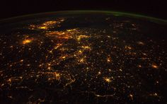 Astronaut, volcanologist and geophysicist Alexander Gerst has revealed his collection of photographs of Earth from the International Space Station Earth And Space, Chris Hadfield, Alex Twitter, Bbc, Nasa, World Of Tomorrow, International Space Station, Science, Planet Earth