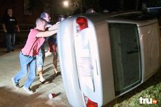 A group of college partiers unknowingly helps Ronnie and Bobby move a car | Lizard Lick Towing