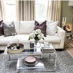 Elegant  Cred: @homesavvyyou Thank you for the tag  #livingroom #sofa #coffeetable #stue by interior_delux