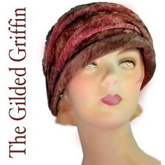 Outstanding chenille cloche...with exceptional illustrated interior millinery label.