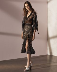 http://www.vogue.com/fashion-shows/pre-fall-2017/prabal-gurung/slideshow/collection