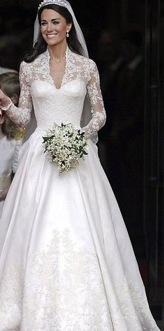1000 ideas about kate middleton wedding dress on for Kate middleton wedding dress where to buy