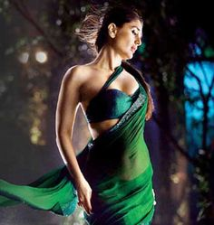 Kareena Kapoor Green Saree in movie Bodyguard,Kareena kapoor style green plain saree,simple bollywood style saree,buy saree online Bollywood Sarees Online, Bollywood Designer Sarees, Indian Bollywood, Bollywood Fashion, Bollywood Style, Most Beautiful Indian Actress, Beautiful Actresses, Bollywood Celebrities, Bollywood Actress