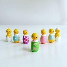 Baby Chick Wooden Peg Doll Easter Dress door HelloDolliesbyLydia