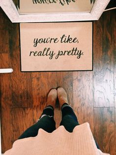 ¡Nos fascina esta idea!Celebra tu belleza cada vez que te veas al espejo.  #ActitudVorana #Motivacion #BellezaDeMujer