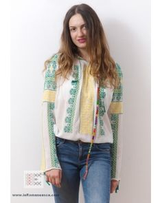 Romanian ie Peasant Blouse - M size Bohemian Tops, Bohemian Fashion, Bohemian Style, Peasant Blouse, Romania, Blouses, Costume, Long Sleeve, Sleeves