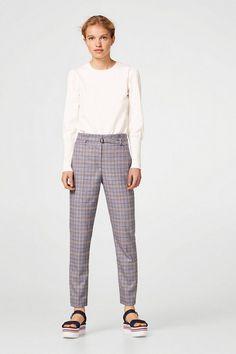ESPRIT Stylische Karo-Hose mit Paperbag-Bund für 59,99€. Stylische Karo-Hose mit Paperbag-Bund, Brandneue Look in trendigem Karo-Muster! Die bei OTTO