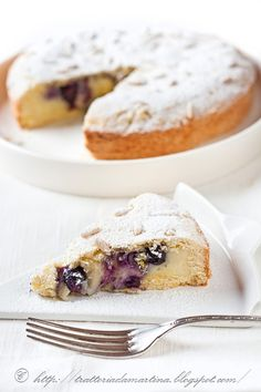 Grandma's cake? Siiii, but with cream and blueberries! - Trattoria da Martina - traditional cuisine, regional and ethnic