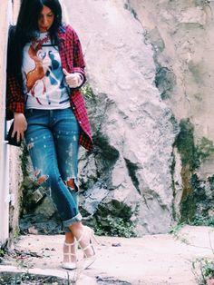 Ootd tee givenchy chemise les artists escarpins Valentino bijoux reine rosalie #ootd