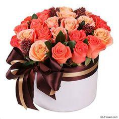Roses in box «Coral Saint Valentine, Valentines, Online Flower Shop, Box Roses, Soap Bubbles, Large Flowers, Ikebana, Beautiful Roses, Floral Arrangements