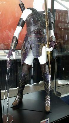 Wonder Woman movie General Antiope armor detail NYCC Dc Costumes, Super Hero Costumes, Wonder Woman Movie, Robin Wright, Female Superhero, Beard Lover, Leather Armor, Cosplay Tutorial, Comic Movies