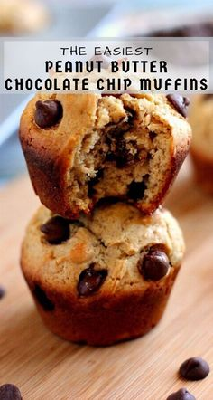 Jam-packed with creamy peanut butter and bursting with chocolate, these Peanut Butter Chocolate Chip muffins are the perfect breakfast or mid-morning snack! Chocolate Chip Bread, Chocolate Muffins, Chocolate Peanut Butter, Chocolate Recipes, Peanut Butter Breakfast, Peanut Butter Muffins, Peanut Butter Chips, Nutter Butter, Delicious Desserts