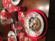 Disney Christmas Table Setting! I need this year's plates!