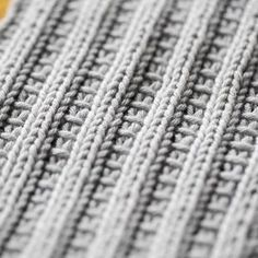 4 Crochet Tips to Remember Knitting Stiches, Knitting Charts, Knitting Socks, Knitted Hats, Crochet Chart, Diy Crochet, Knitting Patterns, Crochet Patterns, Yarn Crafts