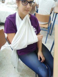 8b.-Inmovilización del antebrazo(cabestrillo)