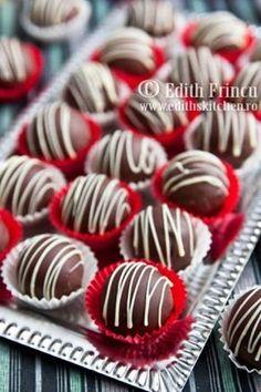 bomboane cu ciocolata (similar base recipe as my rum ball truffles) good to know some variety Cookie Desserts, Sweet Desserts, Chocolate Photos, Cake Recipes, Dessert Recipes, Rum Balls, Candy Pop, Delicious Deserts, Romanian Food