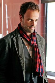 Johnny Lee Miller-Elementary