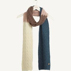 'Long and thin'- that's is the perfect way to describe this scarf. But 'super soft', 'snuggly' and 'very pretty' are also spot on adjectives too.