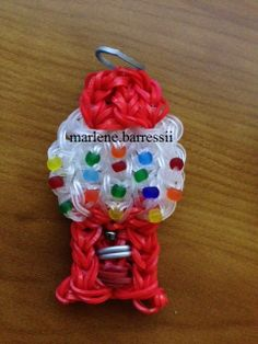 Very First ever Mini Gumball Machine Charm - rainbow loom. This lady is a genus! She is just starting to post some tutorials for her innovative creations! Rainbow Loom Patterns, Rainbow Loom Creations, Rainbow Loom Bands, Rainbow Loom Charms, Rainbow Loom Bracelets, Beaded Bracelets, Loom Love, Fun Loom, Fun Crafts