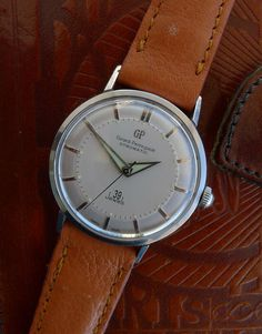 37mm 39 jewels - automatic Girard Perregaux Vintage 'Bumper' Watch Bulova, Girard Perregaux, Watch Deals, Quality Watches, Cool Watches, Omega Watch, Jewels, Ebay, Vintage