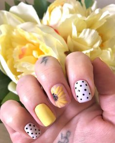 55 Cute Yellow Sunflower Nail Designs for sunflower nailsacrylic,sunflower nails coffin Cute Nail Art Designs, Girls Nail Designs, Acrylic Nail Designs, Cute Nails For Fall, Nails For Kids, Girls Nails, Sunflower Nail Art, Yellow Sunflower, Stylish Nails