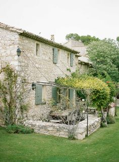 Provence destination wedding by (c) Greg Finck French Cottage, French Country House, French Farmhouse, Farmhouse Garden, Beautiful Homes, Beautiful Places, Gazebos, Houses In France, Stone Houses