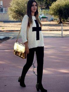 nightnonstop Outfit   Otoño 2012. Combinar Jersey Blanco Primark, Leggings Negros Zara, Bolso Dorado H