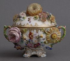 ENGLISH PORCELAIN FLORAL-ENCRUSTED TWO-HANDLED CUP AND COVER
