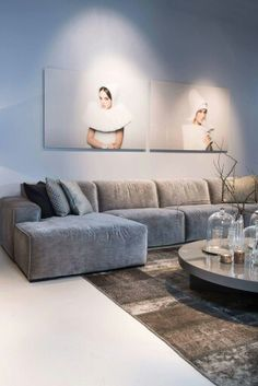 Modern home interiors and design ideas from the best in condos, penthouses and architecture. Plus the finest in home decor and products. Modern Houses Interior, Home And Living, Interior Design, House Interior, New Living Room, Home, Home Furniture, Home Decor, Living Room Designs