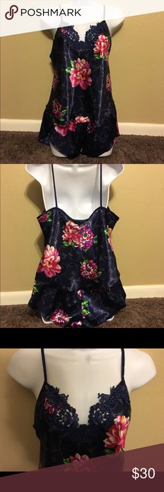 VINTAGE CALIFORNIA DYNASTY NAVY FLORAL 2 PC NITIE BEAUTIFUL WHAT GREAT COLORS NAVY PINKS PURPLES 2 PIECE SET SHORTS HAVE SCALLOPED SIDES  TOP HAS BEAUTIFUL NAVEY FLORAL APPLIQUÉ A💯 % POLYESTER STYLE 300361. MADE IN THE U.S.A  IN NEW CONDITION VINTAGECALIFORNIA DYNASTY  Intimates & Sleepwear Pajamas