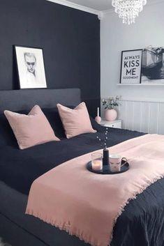 18 Ideas Dark Wallpaper Bedroom Black And White For 2019 Bedroom Black, Bedroom Green, Small Room Bedroom, Trendy Bedroom, Bedroom Colors, Small Rooms, Modern Bedroom, Bedroom Decor, Bedroom Inspo